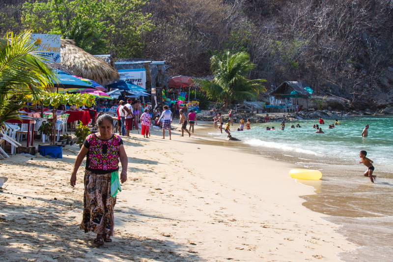 Playa La Entrega Huatulco Mexico